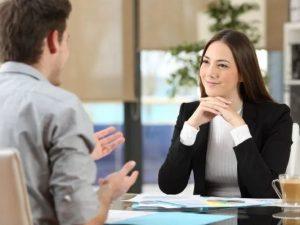 Cómo usar el lenguaje corporal para una entrevista de trabajo exitosa